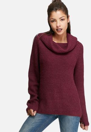 Wide neck knit