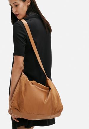 Pieces Fanny Leather Travel Bag Cognac