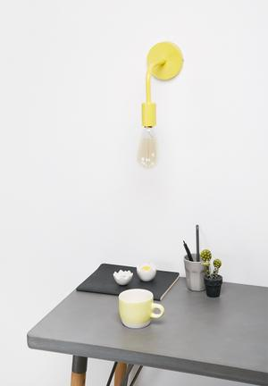 Simple wall light