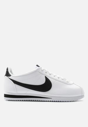 Nike Wmn's Classic Cortez Sneakers White / Black