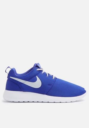 Nike W Roshe One Sneakers Paramount Blue / Pure Platinum