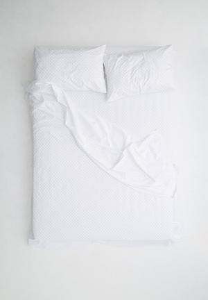 Sixth Floor Spot Sheet Set Bedding 100% Cotton, 200TC