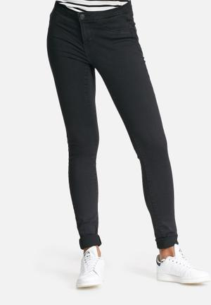 Vero Moda Majse Slim Jeans Black