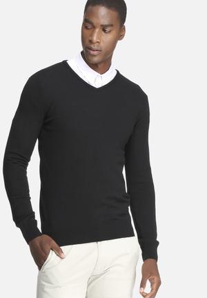 Basicthread Basic V-neck Pullover Knitwear Black