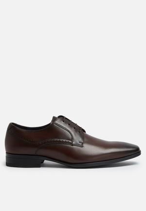 Steve Madden Rivars Leather Derby Formal Shoes Brown