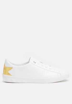 Diesel  S-Olstice Low Sneakers White / Gold