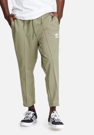 Adidas Originals Superstar Cropped Track Pant Sweatpants & Shorts Green & White