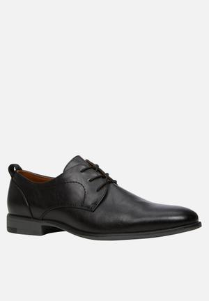 Call It Spring Jereaven Formal Shoes Black