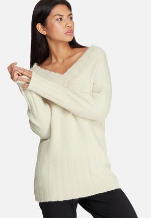 Dailyfriday Soft Touch Slouchy V-neck Knit Knitwear Cream
