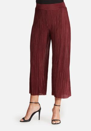 Dailyfriday Plissé Culottes Trousers Burgundy
