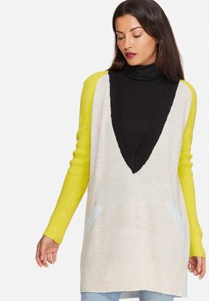 Noisy May Twist Deep V-neck Oversized Knit Sweater Knitwear Beige, Black, Lime & Blue