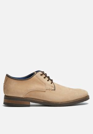 Basicthread Scotty Leather Derby Formal Shoes Beige