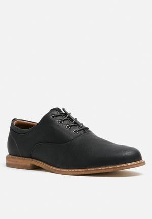 Call It Spring Crocesan Formal Shoes Black