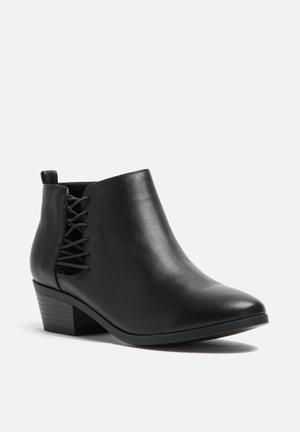 Call It Spring Zoressi Boots Black