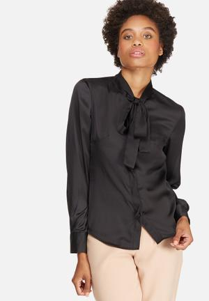 Dailyfriday Satin Kitty Bow Blouse Black