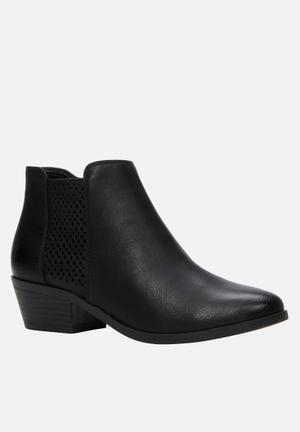 Call It Spring Lupica Boots Black