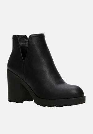 Call It Spring Mussey Boots Black