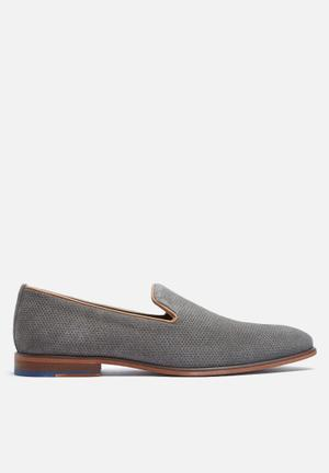Steve Madden Taslyn Slip-ons And Loafers Grey
