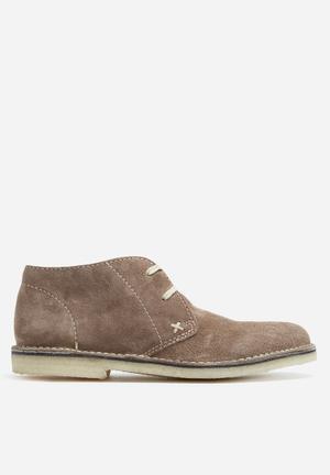 Grasshoppers Desert Boots Brown