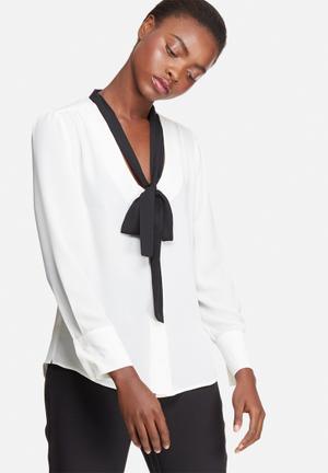 Kitty bow blouse