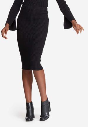 Ribbed knit tube skirt