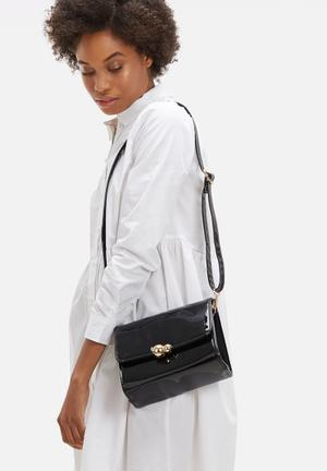 Dailyfriday Shan Patent Sling Bag Black