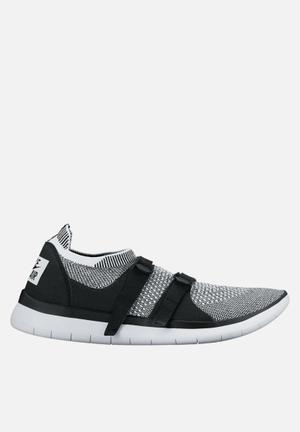 Nike Sock Racer Ultra Flyknit Sneakers Black / White-White