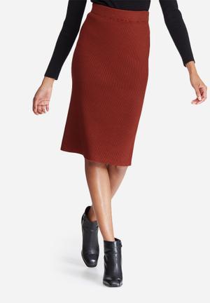 Vero Moda Glory Babette Rib Skirt Red