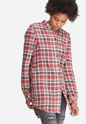 Vero Moda Como Check Long Shirt Red, Cream, Black & Blue