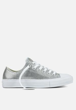 Converse Chuck Taylor All Star II Perf Leather Sneakers Silver / White