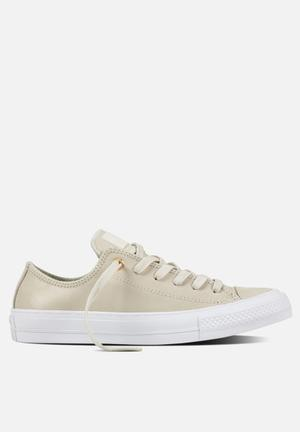 Converse Chuck Taylor All Star II Craft Leather Sneakers Buff/White