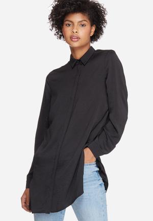 Dailyfriday Silky Longer Length Shirt Black