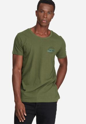 Basicthread Graphic Scoop Tee T-Shirts & Vests Olive & Black