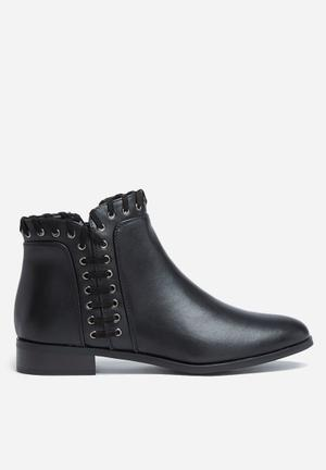 ONLY Billie Braided Boot Black