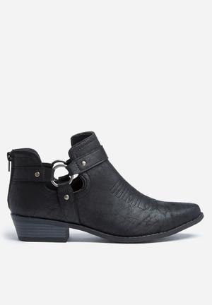 Madison® Samantha Boots Black