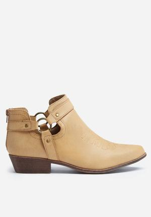 Madison® Samantha Boots Tan