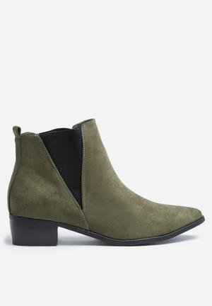 Madison® Carole Boots Olive