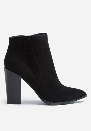 Madison® Jennifer Boots Black