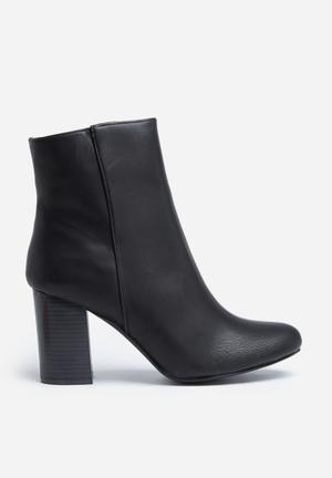 Madison® Genna Boots Black