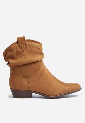 Madison® Luann Boots Tan