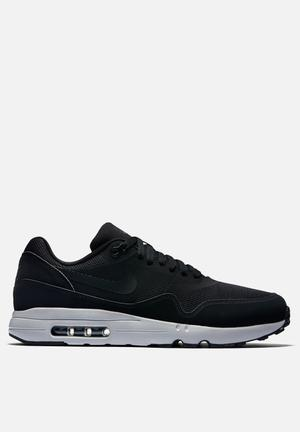 Nike Air Max 1 Ultra 2.0 Ess Sneakers Black / Wolf Grey