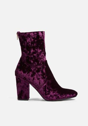 Dailyfriday Leeds Velvet Boot Dark Plum