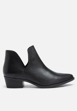 Steve Madden Austin Boots Black