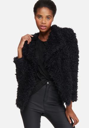 Jayla short faux fur jacket