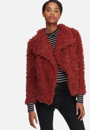 Vero Moda Jayla Short Faux Fur Jacket Maroon