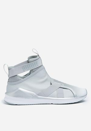 PUMA W Fierce Strap Metallic Sneakers Puma Silver