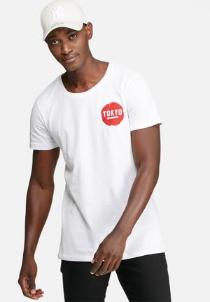 Basicthread Graphic Scoop Tee T-Shirts & Vests White & Red