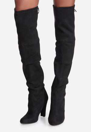 Steve Madden Gorgeous Boots Black