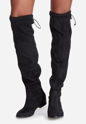 Steve Madden Odina Boots Black