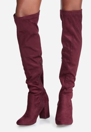 Madison® Stephanie Boots Burgundy